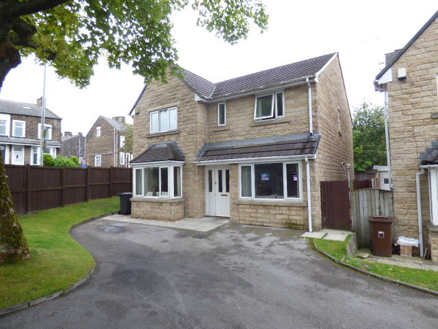 Lomeshaye Road Nelson BB9 0DL – 4 bed Detached.