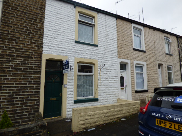 Selby Street Nelson BB9 0SH – 2 reception rooms 2 bedrooms