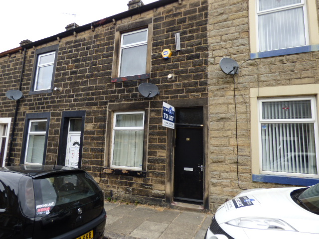 Cleveland Street Colne BB8 0BD – 2 bedrooms