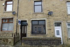 Napier Street Nelson BB9 0RG – 2 bedrooms 1 reception room