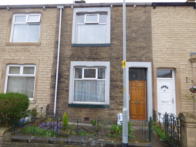 Every Street Nelson BB9 7BS Large 2 bedrooms 2 reception rooms.