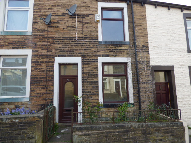Tavistock Street Nelson BB9 9JJ – 2 bedroom 1 reception room