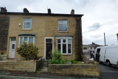 Castle Street Nelson BB9 0TN – 2 bedrooms 1 reception room.