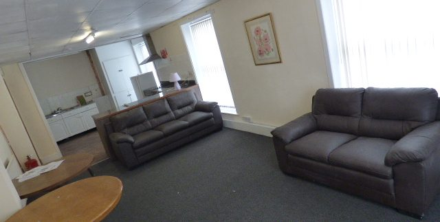 Rooms To Let All Bills included - Nelson Town Centre.