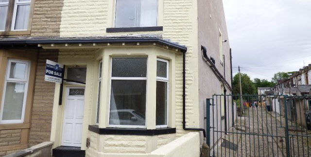 Every Street Nelson BB9 7BS - 4 bedrooms 2 reception rooms