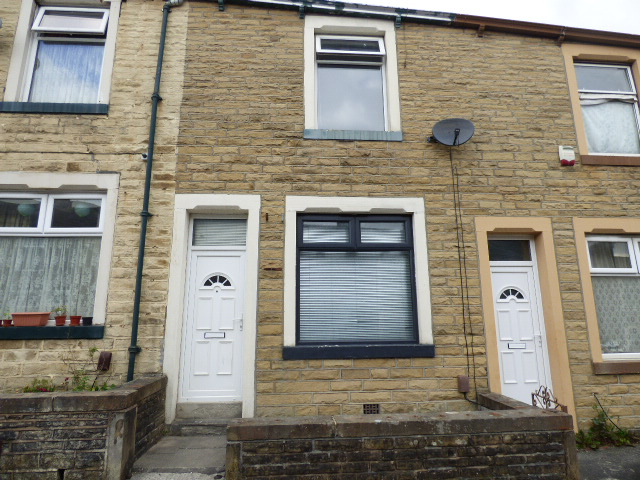 Selby Street Nelson BB9 0SH – 2 bedrooms 1 reception room