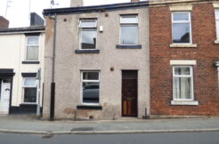 Moorgate Street Blackburn BB2 4NY. 3 Bedrooms, 2 receptions, £450pcm.